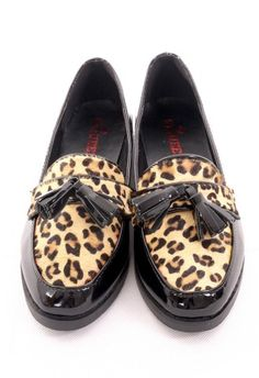 Leopard Pattern Tassel Loafer Shoes in Black