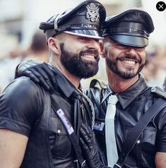 Leather Harness, Leather Cap, Beautiful Men, Hot Guys, Captain Hat, Dads, Handsome, Mens Fashion, Couples