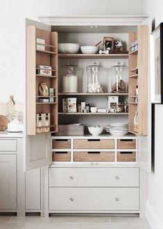 Kitchen Cupboard Organization, Diy Kitchen Storage, Home Decor Kitchen, New Kitchen, Kitchen Larder Cupboard, Smart Storage, Cupboard Ideas, Cabinet Storage, Door Storage