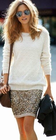 sweater with sequin skirt. I have been wondering how to wear a glizy skirt in a … sweater with sequin skirt. I have been wondering how to wear a glizy skirt in a more casual way. Would be a cute Christmas Day outfit. Looks Street Style, Looks Style, Style Me, Carrie Bradshaw, Look Fashion, Fashion Beauty, High Fashion, Street Mode, Pullover Mode