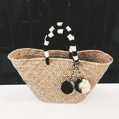 """2,542 Me gusta, 49 comentarios - Reformation (@reformation) en Instagram: """"This @kayudesign bag is made of natural seagrass and also travels well. #instoresonly"""""""