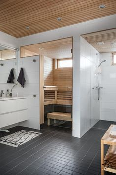 this is elaborate but SO cool. I had to Pin it even if it's just for fun. Home Spa Room, Spa Rooms, Saunas, Piscina Spa, Sauna Shower, Indoor Sauna, Sauna Design, Laundry Room Inspiration, Sauna Room