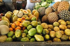 Take Delight with the Flavors and Aromas of the Colombian Food Colombian Cuisine, Food Nutrition Facts, Colombian Coffee, Exotic Fruit, World Market, How To Speak Spanish, Countries Of The World, Fresh Fruit, Landscapes