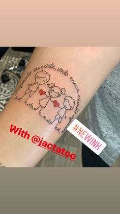 Mom Tattoos Discover New ink Tattoo Mama, Mommy Tattoos, Sibling Tattoos, Tattoo For Son, Family Tattoos, Tattoos For Daughters, Life Tattoos, Body Art Tattoos, Tatoos