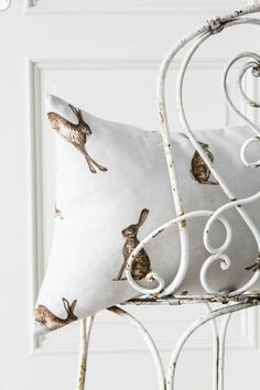 Farmhouse home decor | Rabbit
