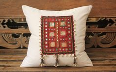 Vintage Linen & Textile Cushion with Cowry Shell Tassles Sewing Pillows, Diy Pillows, Decorative Pillows, Diy Pillow Covers, Cushion Covers, Vintage Cushions, Vintage Linen, Textiles, Kutch Work Designs