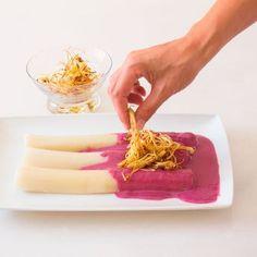 Puerros con bechamel de remolacha « me and meal