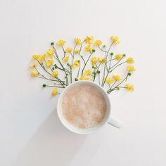 Love this shot! Coffee Photography, Creative Photography, Food Photography, Learn Photography, Coffee Flower, Flower Tea, Coffee Break, Coffee Time, Pause Café