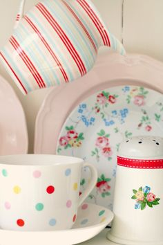 Love poka dots, stripes and flowers !!!  And love red with yellow and lite blue and lite green.  So cheery :)