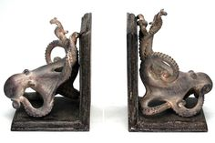 Presenting the Under the Sea Octopus Bookends, the perfect gift for an ocean lover!Completed in a rustic-like finish with an octopus curling around each side of these bookends, we know that these cap