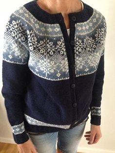 Beate Stock sitt bilde. Fair Isle Knitting Patterns, Knitting Designs, Fair Isles, Winter Coat, Baby Knitting, Crochet Projects, Knitwear, Knit Crochet, Wool