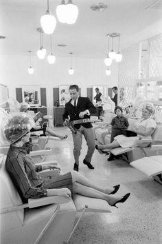Enrico Natali Beauty salon client smoking Detroit 1968 1968  Life in the 60s