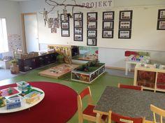 Pedagogiska miljöer - Små barns lärande Preschool Classroom Decor, Toddler Classroom, Montessori Toddler, Classroom Design, First Grade Classroom, Learning Spaces, Learning Environments, Reggio Emilia Classroom, Childcare Rooms