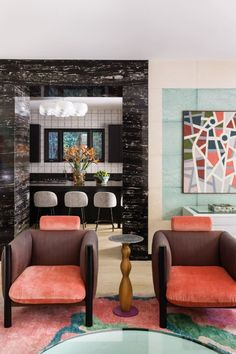 Click to Visit our Blog and discover how to style coffee and side tables like a designer! #chandelier #bocadolobo #interiordesign #luxurylifestyle #homedecor #interiorvibes #luxurydiningroom #dining_room #brabbu #lightingideas #luxurychandelier #diningtabe #suspentionlamp #bathroom #brabbu #maisonvalentina #versace #insplosion #luxurylivinggroup # #lightingdesign #architecture #housedecoration #homedesign #bestinteriordesign #lightingideas #luxurydesign #fendi #hermes #fendicasa Contemporary Interior Design, Luxury Interior Design, Interior Design Inspiration, Interior Design Living Room, Design Interiors, Room Interior, Colorful Interiors, Ben Stiller, Luxury Dining Room