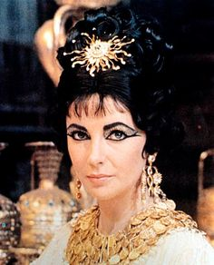 .The beautiful, great actress Elizabeth Taylor. (love her jewels