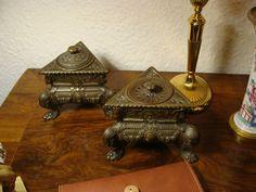 Schreibtischset 2 tlg Tintenfass Parfümsalz- Sandstreuer Renaissance Historismus