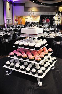 Свадебный торт с пирожными (капкейками)