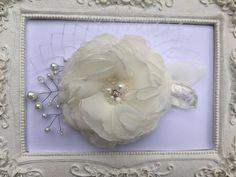 Mariage Pince cheveux fleur de mariée, Ivoire pour coiffure de mariage Cloe : Accessoires coiffure par fleurs-de-provence
