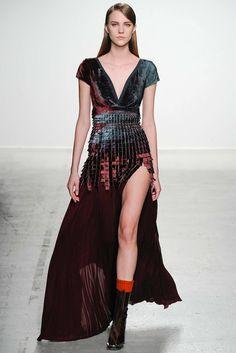 John Galliano Fall 2014 Ready-to-Wear Fashion Show