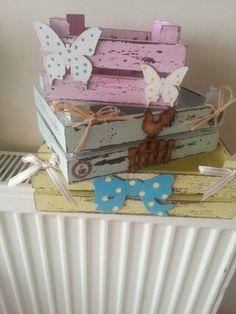 Diy Wood Box, Diy Wood Signs, Diy Box, Wood Boxes, Decoupage Tutorial, Decoupage Box, Decoupage Vintage, Diy Home Crafts, Wood Crafts