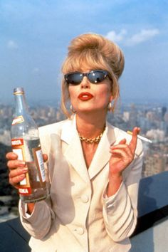 Joanna Lumley brought the character of narcissistic yet deeply hilarious Patsy Stone to life in the hit British TV show Absolutely Fabulous. Patsy Stone, Joanna Lumley, Marie Claire, Absolutely Fabulous Quotes, Patsy And Eddie, Six Abs, Jennifer Saunders, Fashion Models, Nail Fashion