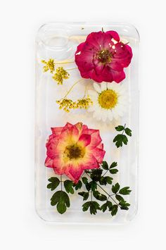 I think I finally need one of these in my life. Or to learn how to make one. Wait, I'm pretty sure I have a flower press around here. DIY, ahoy!