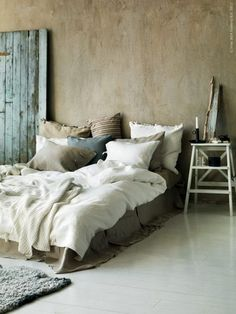 comfy bedroom-looks so inviting! - gray beige tan blue green ivory white -- boho bohemian gypsy hippie vintage interior design home decor neutral, pillows, sheets, linens bedding bedroom style blankets sheets