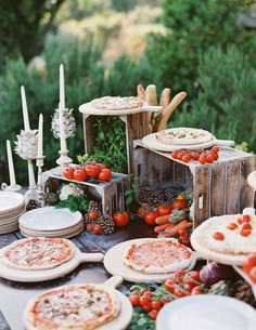 This Olive-Inspired Celebration in Italy Was a Foodie's Dream - This olive inspired wedding was filled with fun wedding reception food, like a pizza bar, bread and - Pizza Wedding, Wedding Food Bars, Wedding Food Stations, Wedding Reception Food, Wedding Dinner, Wedding Catering, Buffet Wedding, Wedding Menu, Wedding Souvenir