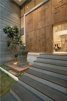 ✔️ 98 Design Of The Exterior Entrance Of The House That Looks Luxurious 37 . ✔️ 98 Design Of The Exterior Entrance Of The House That Looks Luxurious 37 … ✔️ 98 Desi Pooja Room Door Design, Foyer Design, Entrance Design, House Entrance, Staircase Design, Entrance Foyer, Entrance Ideas, Main Entrance, Bungalow Interiors