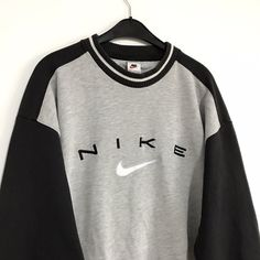 Vintage Nike sweatshirt Size L / GB Great. - Depop - Vintage Nike sweatshirt Size L / GB Great condition – Depop Source by - Cute Lazy Outfits, Cute Outfits For School, Trendy Outfits, Grunge Outfits, Nike Outfits, Teen Fashion Outfits, Vintage Nike Sweatshirt, Sweatshirt Outfit, Sweatshirts Vintage