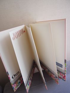Pegeo Wedding Guest Book / Vintage Blossom
