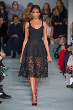 You'll Want to Wear These Oscar de la Renta Looks Right Off the Catwalk