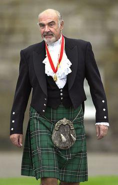 Sir Sean Connery wore full Highland dress Maravilha da Natureza, Wonder of Nature, Maravilla de la Naturaleza ;) ;) ;)