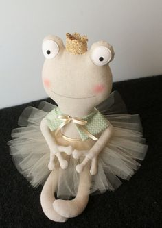 The frog princess. Stuffed animal with a by blita Frog Crafts, Diy Crafts, Rainbow Bedding, Frog Princess, Handmade Stuffed Animals, Ballerina Doll, Fabric Animals, Fabric Toys, Sewing Toys