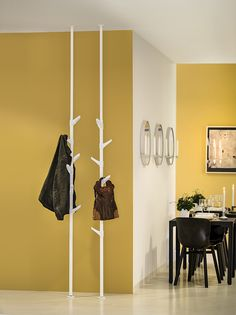 Nett teleskopstange garderobe - in 2020 Entry Furniture, Home Furniture, Rack Design, Coat Stands, Coat Hanger, Coat Racks, Creative Decor, House Design, Interior Design