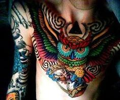 OH WOW. I ♥ this person's owl tattoo in a major way. *le swoon*