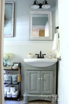Super easy (and budget friendly) Coastal Farmhouse Bath Makeover! Antique Farmhouse, Coastal Farmhouse, Coastal Cottage, Farmhouse Style, Coastal Bathrooms, Small Bathroom, Blue Bathrooms, Bathroom Ideas, Neutral Bathroom