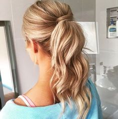 20 blonde wavy ponytail for balayage hair Messy Ponytail Hairstyles, Blonde Ponytail, Ponytail Styles, Prom Ponytails, Ponytail Ideas, Braid Ponytail, Beach Hairstyles, Braid Bangs, Men's Hairstyle