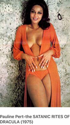 Pauline Peart dracula vit toujour a londres 1973 John Drew Barrymore, John Carradine, Harold Lloyd, Bullet Bra, Hollywood Actor, Girls Sweaters, Celebs, Glamour, Actresses