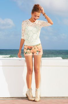 LOOOOOOOOOOOOOVVVVVVVEEEEEEEEEEEE THIIIIIIIIIISSSSSSSSSSSSSSSSSS-Floral Lace Long-Sleeve Pullover & Peach Floral Crochet Trim Shorts