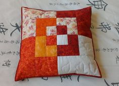 quilt-stuff: (via Little Green Doll) Patchwork Cushion, Quilted Pillow, Patchwork Quilting, Quilting Tutorials, Quilting Projects, Sewing Projects, Peacock Embroidery Designs, Diy Pillow Covers, Homemade Quilts