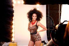 Making of da sessão de fotos para a capa da Revista Glamour de julho com a atriz Taís Araújo! Para ver as fotos do editorial em homenagem a célebre Josephi