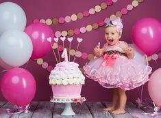 girl first birthday photoshoot ideas 1st Birthday Centerpieces, 1st Birthday Party Themes, 1st Birthday Gifts, Frozen Birthday Party, Happy Birthday Wishes, Birthday Ideas, Baby Birthday, Birthday Quotes, Cake Smash Photography
