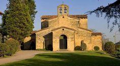 La basílica de San Julián de los Prados es una Iglesia prerrománica de principios del siglo IX que se encuentra en Oviedo, siendo una de las principales muestras del arte asturiano.