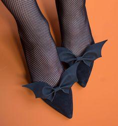 Fall Halloween, Halloween Crafts, Halloween Decorations, Halloween Party, Halloween Costumes, Halloween Shoes, Homemade Halloween, Black And White Baby, Halloween Disfraces