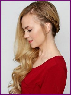 Bohemian Sideswept Dutch Braid - beautiful hair styles for wedding Side Swept Hairstyles, Braided Hairstyles For Wedding, Down Hairstyles, Trendy Hairstyles, Prom Hairstyles, Side Swept Curls, Side Braid With Curls, Updo Side, Side Braids