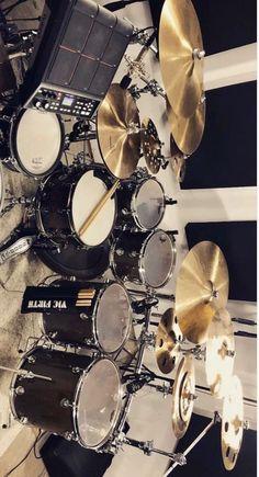 Drum Musical Instrument, Drums Artwork, Drums Studio, Drums Beats, Metal Drum, How To Play Drums, Music Aesthetic, Music Wallpaper, Drum Kits