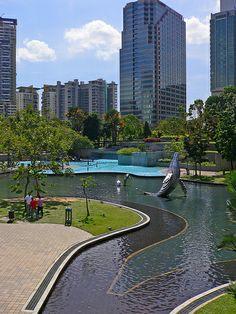Kuala Lumpur (Malaysia) - Petronas Towers KLCC Park
