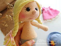 Amigurumi Tini Mini Kız Yapılışı-Free Pattern Tini Mini Dolls - Tiny Mini Design Cute Crochet, Crochet Dolls, Doll Patterns, Crochet Patterns, Pink Panter, Mini, Crochet Baby Clothes, Stuffed Toys Patterns, Lalaloopsy