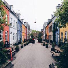 O L U F S V E J 'den kendime mütevazi bi ev aldım. Hafta sonları çıkıp çıkıp gelin #copenhagen @instagram
